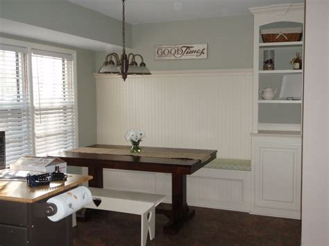 Built In Kitchen Banquette by Remodelaholic Banquette