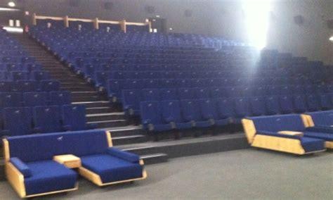 cinema aeroville lit luc besson inaugure sa premi 232 re salle de cin 233 ma