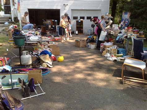 backyard sales what are the hottest yard sale items what sells best