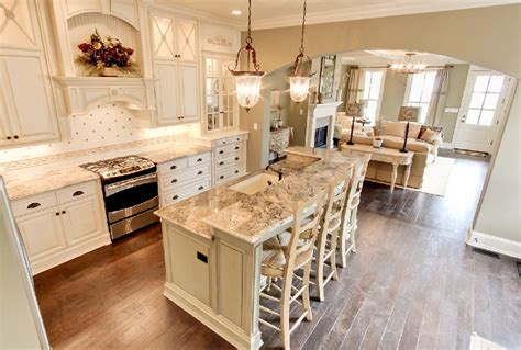 southern home interior design southern charm home home bunch interior design ideas