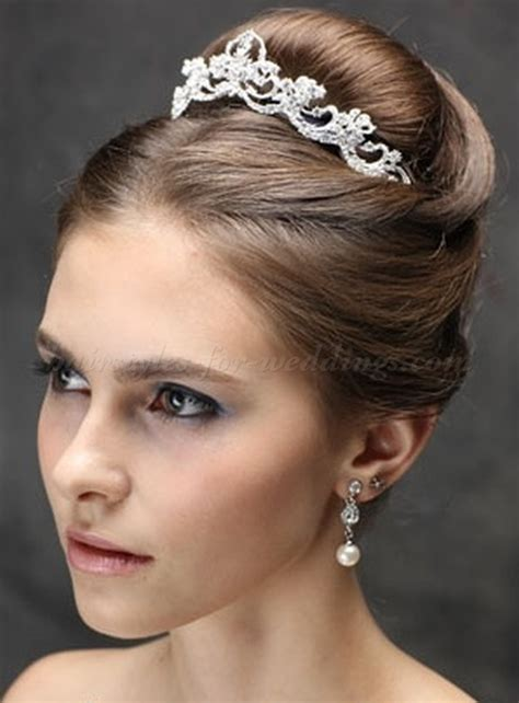 Wedding Hairstyles With Veil And High Bun by Top Bun Wedding Hairstyles High Bun Wedding Hairstyle