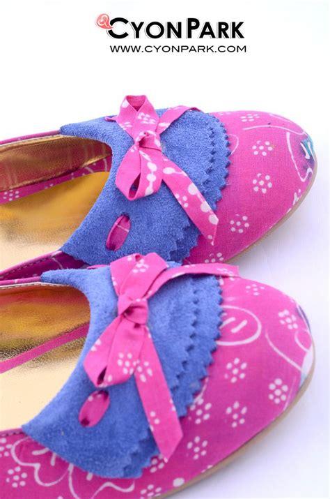 Sepatu Etnik Batik Pink Grosir Sepatu Olahraga Wanita Perempuan Cewek sepatu indonesia toko sepatu jual sepatu murah
