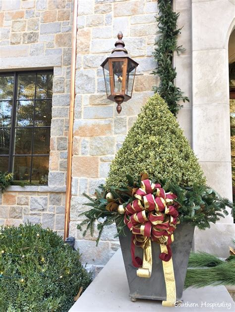 atlanta buckhead christmas showhouse interior eclectic home for the holidays designer showhouse 2017 hello lovely