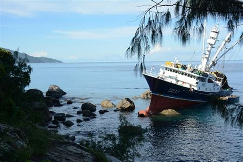 fishing boat for sale seychelles south korean fishing vessel runs aground seychelles