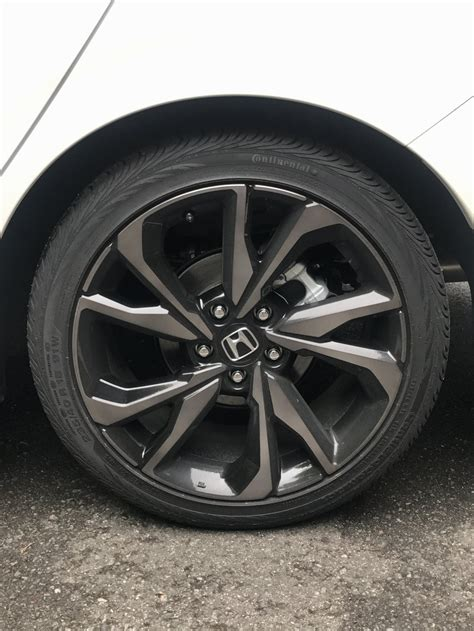 wts brand   sport touring hatchback wheelstires    miles  rubber