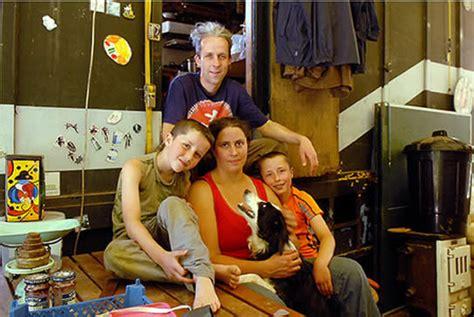 imagenes familias urbanas familia brit 225 nica podr 225 ir a c 225 rcel por ser