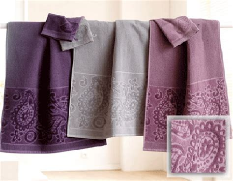 plum colored bathroom accessories plum color bathromm accessories brown hairs