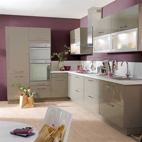 cuisine pour les d饕utants cuisine 20 mod 232 les de kitchenettes id 233 ales pour