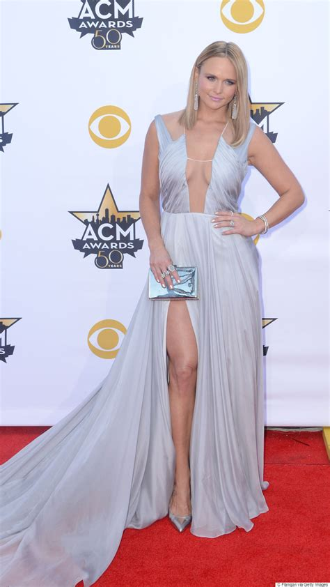acm awards 2015 miranda lambert changes her outfit four miranda lambert s 2015 acm awards dress is elegantly sexy