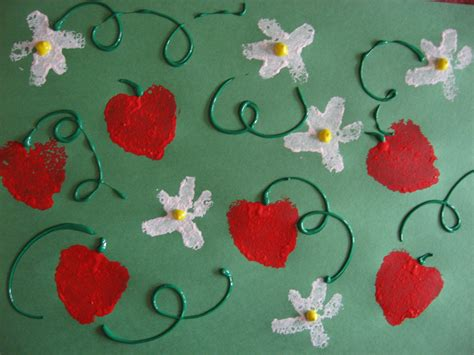 strawberry crafts for strawberry crafts from monday and tuesday kiddie crafts