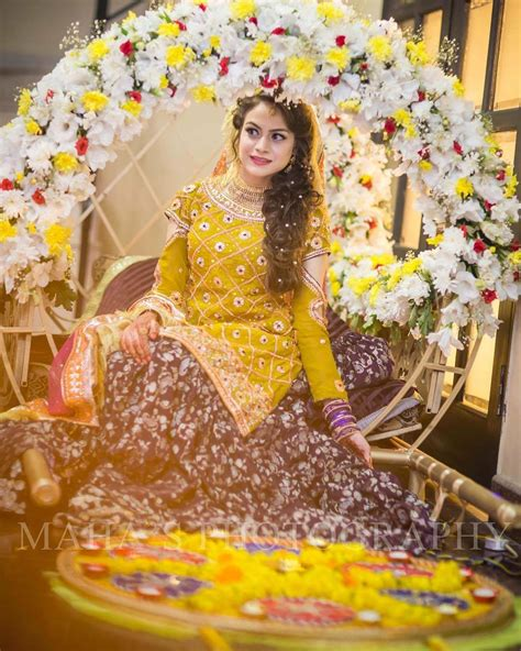 Perfect Color Combinations by Pakistani Bridal Dresses 2017 Latest Mehndi Barat