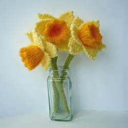 Knit or crochet the march flower of the month daffodil