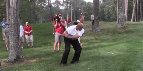 barkley golf swing charles barkley s awkward golf swing is back and will make