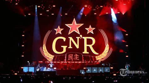 Guns N Roses Axl Jam Tangan reese si cantik yang curi perhatian penonton