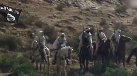 film lion desert isis video uses oliver reed fighting libyans in lion of