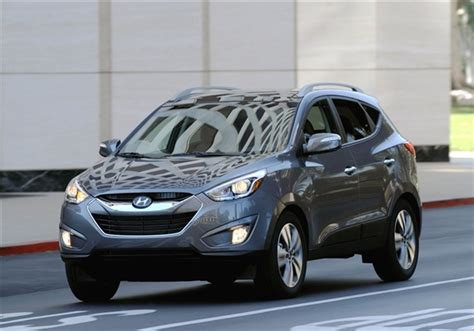 hyundai tucson 2014 blue 2014 hyundai tucson gets engines numerous