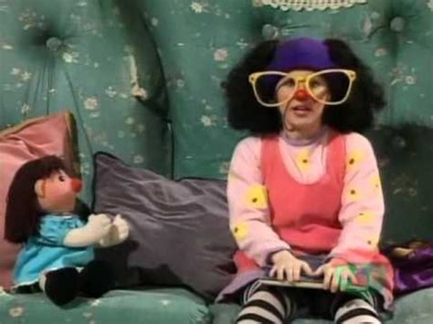 lunette big comfy couch 12 reasons why the big comfy couch was a great part of our