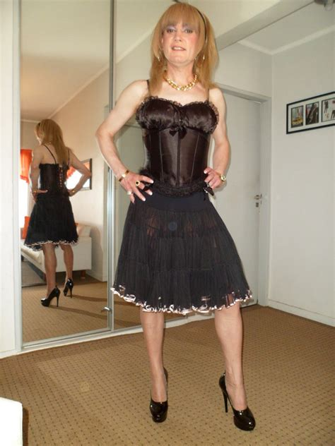 Cross Dresser by Crossdresser Corset Negro Kep Lencer 237 A Pollera Tul Negro Flickr