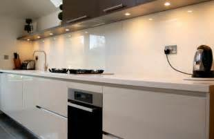splashback ideas white kitchen cozinha jun 231 227 o de tend 234 ncias para o backsplash emorar