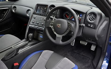 2014 nissan gt r interior 4 photo 15