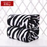 zebra pattern towels perfect animal print bath towels homesfeed