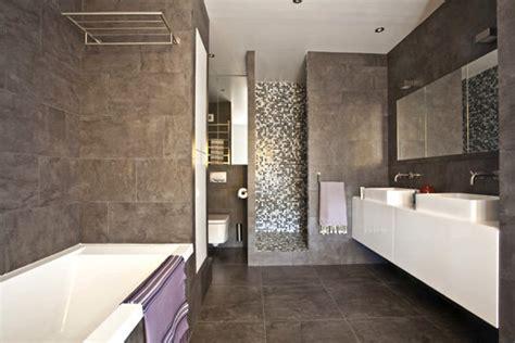 salle de bain toute de gris v 233 tue