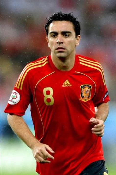 biography xavi hernandez xavi profile and biography profil football player s
