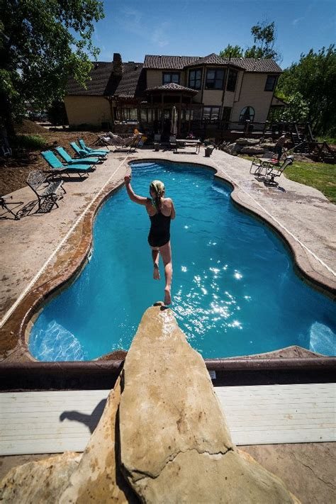 venice  viking pools   ft deep viking pools