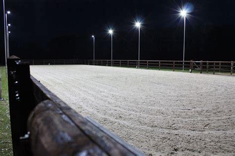 beleuchtung reitplatz vorteilhafte reitplatzbeleuchtung f 252 r ihre reitplatz