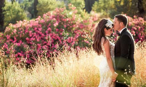 How to get the perfect wedding photos ? 10 tips from