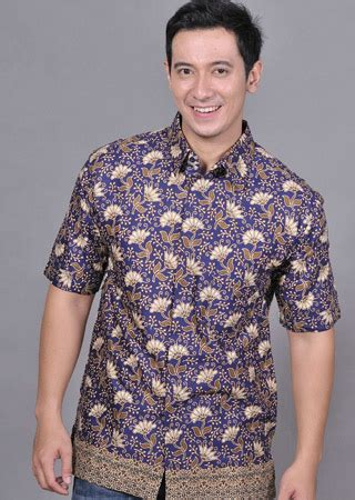 Baju Wisuda Untuk Cowok model batik buat anak muda untuk dipakai di berbagai acara