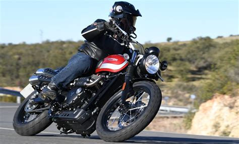 Motorrad Triumph Street Scrambler by Triumph Street Scrambler Motorcycle Magazine Motorrad