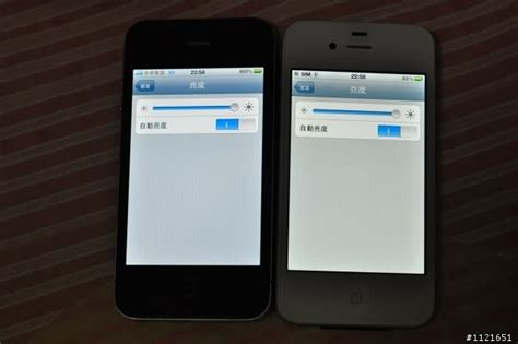 iphone yellow tint blue tint vs yellow tint iphone 4 screen review comparison shocker alert page 4