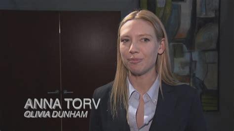 anna torv home anna torv interview for the fringe season one dvd