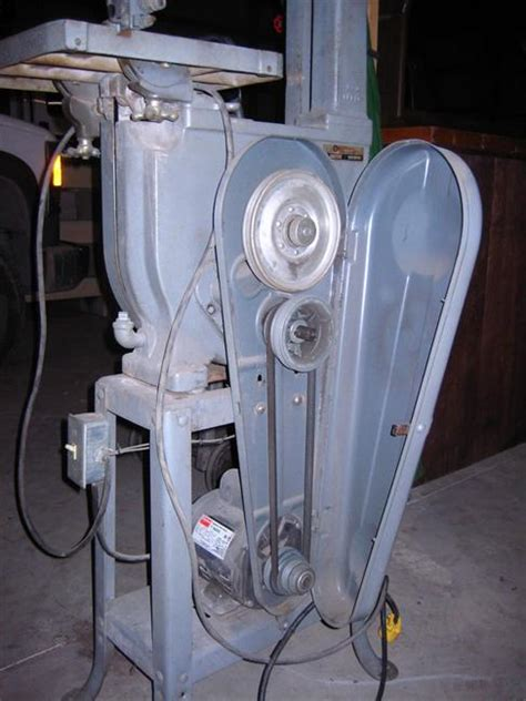 photo index rockwell manufacturing    bandsaw
