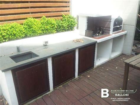 cucine da esterno in muratura seconda cucina esterna in muratura con forno a legna e