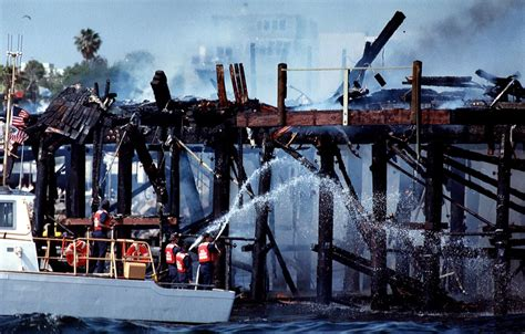 redondo beach boat crash into pier the day the redondo beach pier went up in flames south