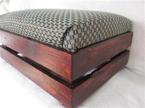 diy footstool ottoman diy pallet padded ottoman footstool pallet furniture diy