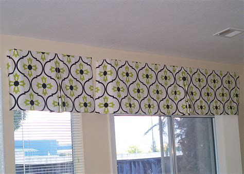Make Your Own Window Valance the reluctant make your own box pleat valance