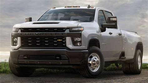 2020 Gmc 2500 Vs Chevy 2500 by The 2020 Chevrolet Silverado Hd Is The Strongest In