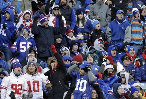 new york giants fans nfl retiree fans will keep coming back ny daily news