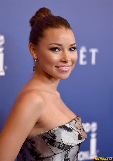 jessica parker kennedy   image gallery