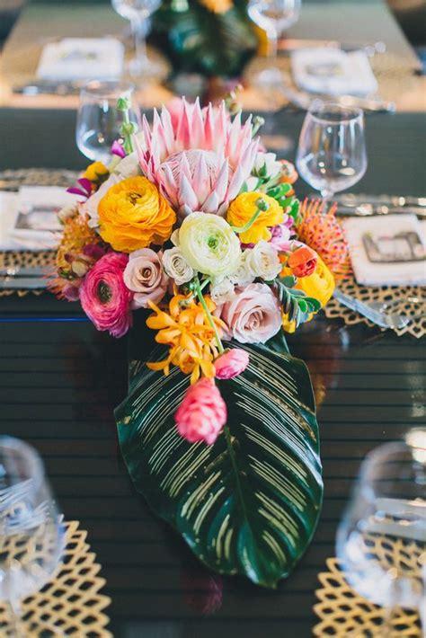 trend tropical leaf greenery wedding decor ideas