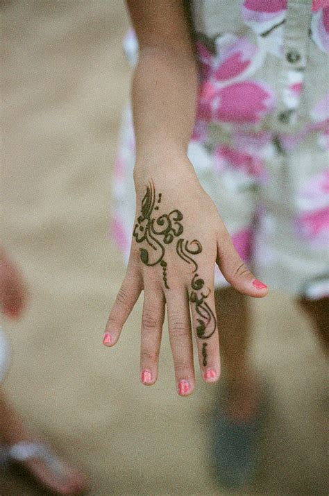 henna tattoo in dubai henna on in dubai entouriste