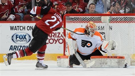 flyers bench neuvirth comes off bench to give flyers shootout win