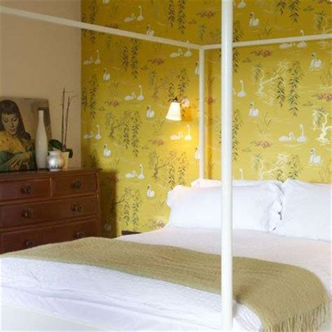 mustard yellow bedroom ideas 16 best images about wallpaper on pinterest