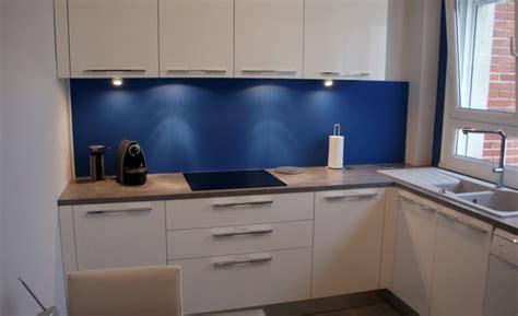 cuisine blanchir cuisine blanche et bleu incroyable cuisine blanc deco