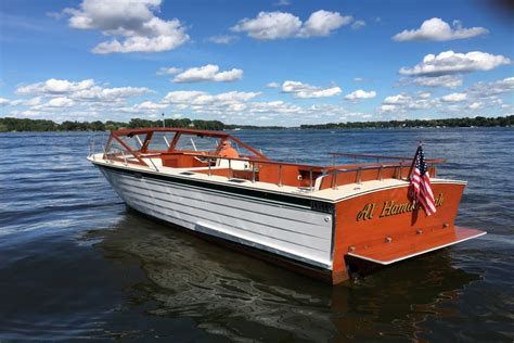 lake boats best 30 skiffcraft one of the best on lake minnetonka detail