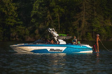 malibu boats 2019 new 2019 malibu wakesetter 25 lsv power boats inboard in