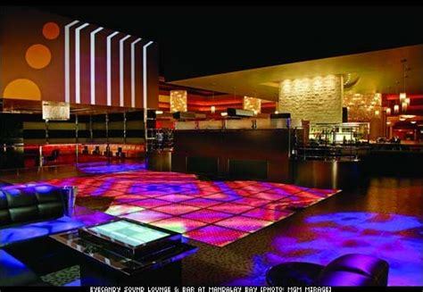 mandalay bay bar top floor eyecandy sound lounge bar opens at mandalay bay las